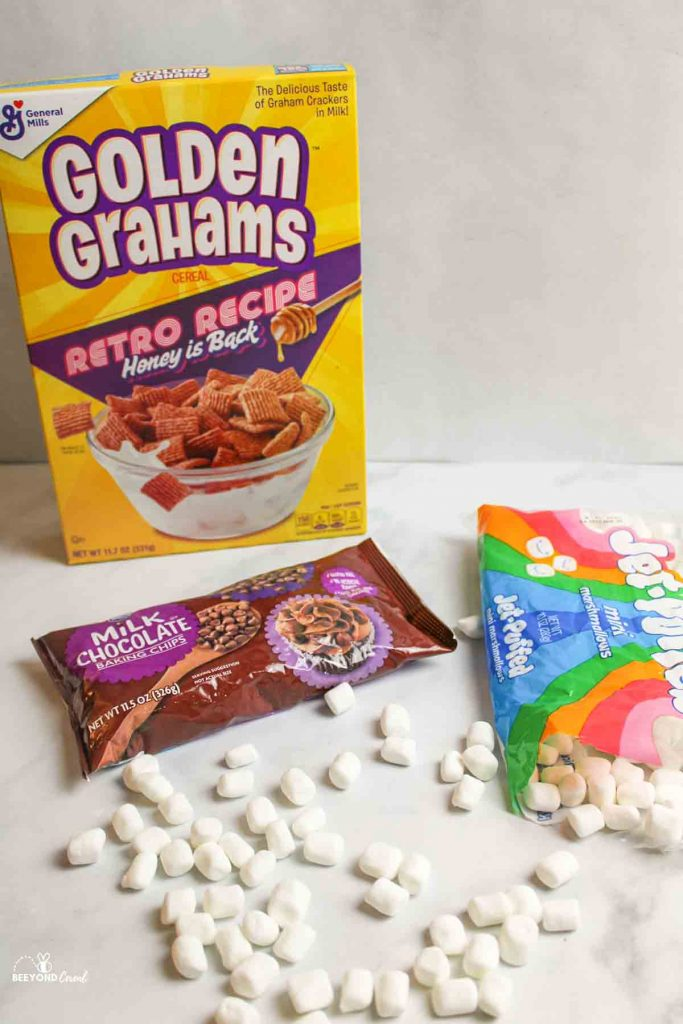 ingredientsneeded for golden grahams smores mix