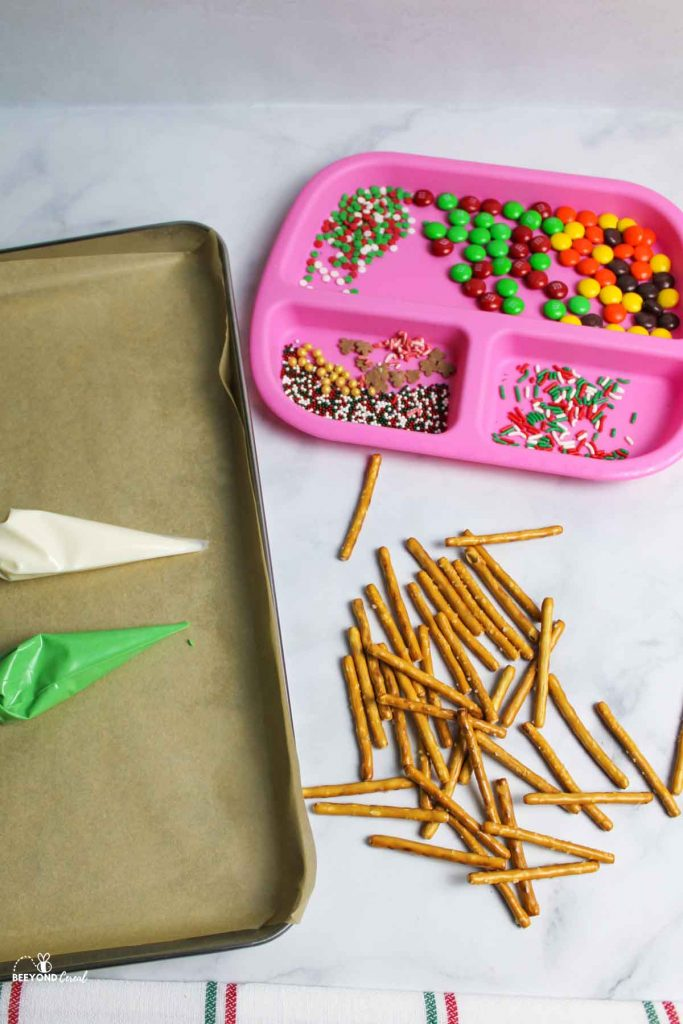 ingredients needed for christmas tree pretzels