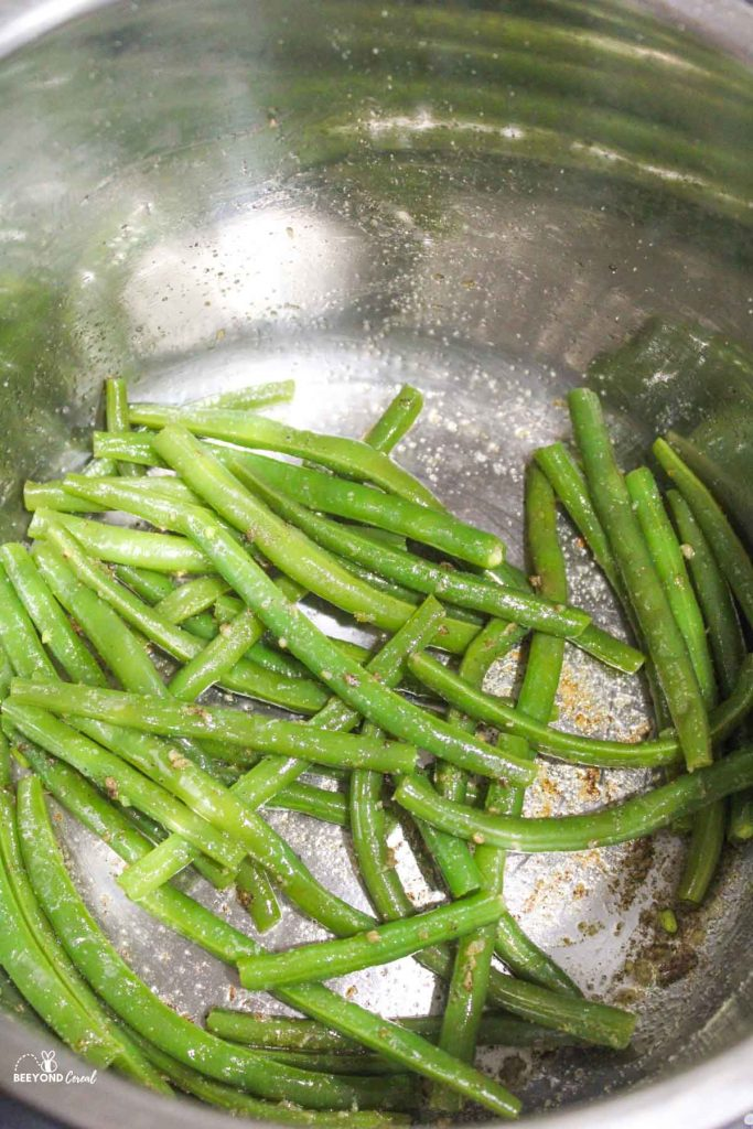 sauted green beans with seasonings in instant pot